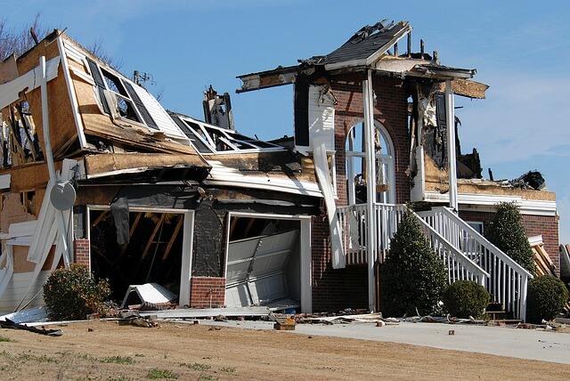 בניין לאחר שריפה שיקום מבנים